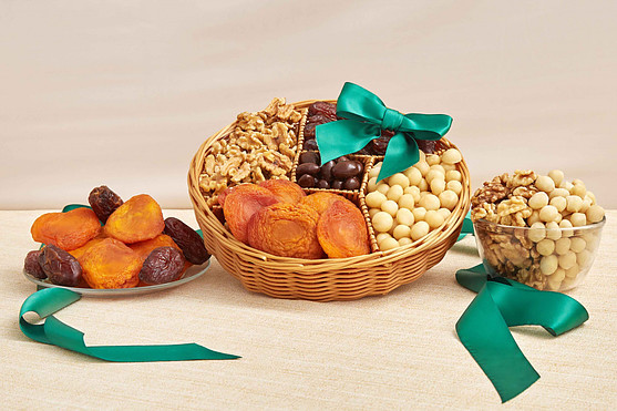 6 Best Gourmet Gift Baskets for 2021